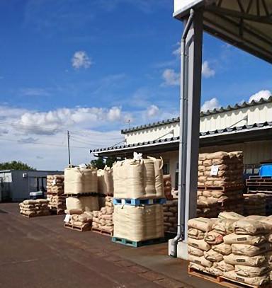 農家さんからお米集荷中